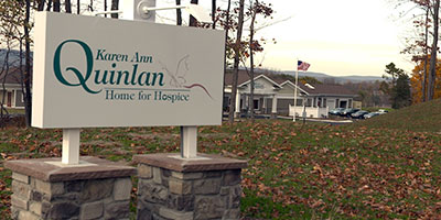 home-for-hospice-sign